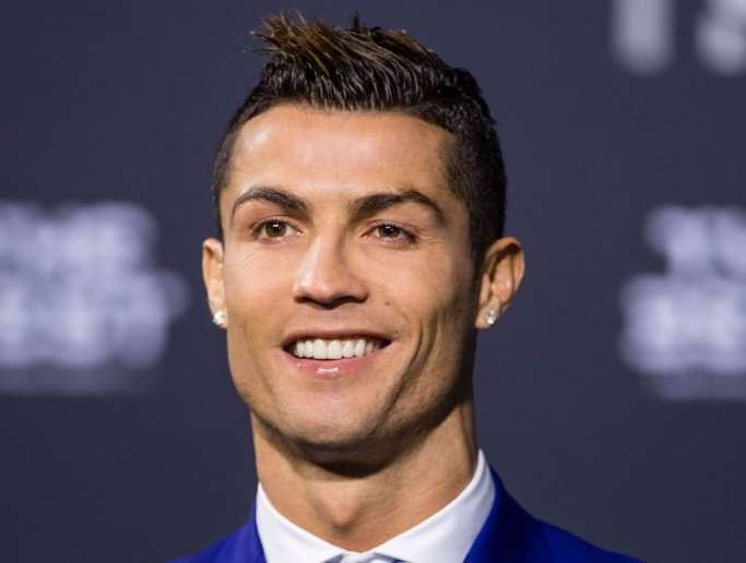 Ronaldo competes with the world's most important clubs for a unique record, Arabic newspaper -Profile News