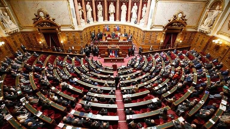 برلمانيون فرنسيون يستنكرون تولي إماراتي, صحيفة عربية -بروفايل نيوز