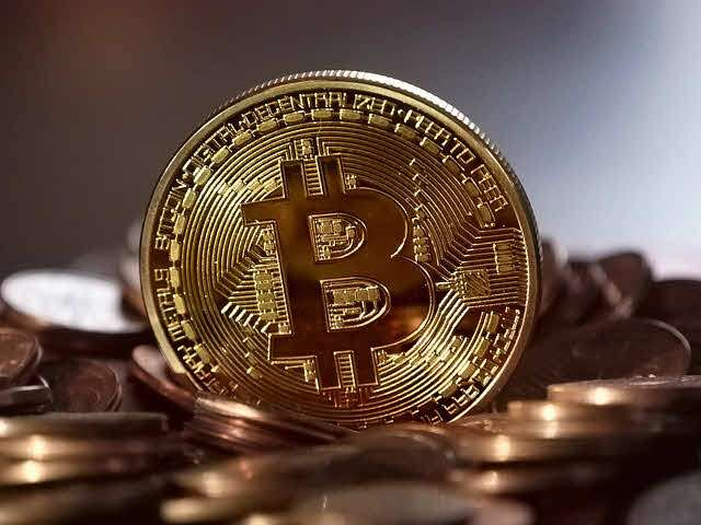 Constant fluctuations in Bitcoin, Arabic newspaper -Profile News