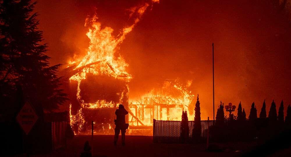 حرائق كاليفورنيا تهدد المدن, صحيفة عربية -بروفايل نيوز