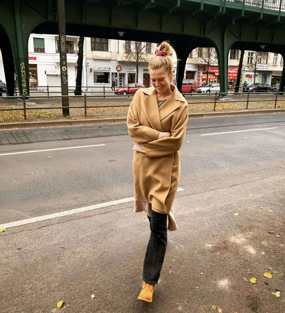 German model dazzles the attention of fashion lovers in the world (photos), Arabic newspaper -Profile News