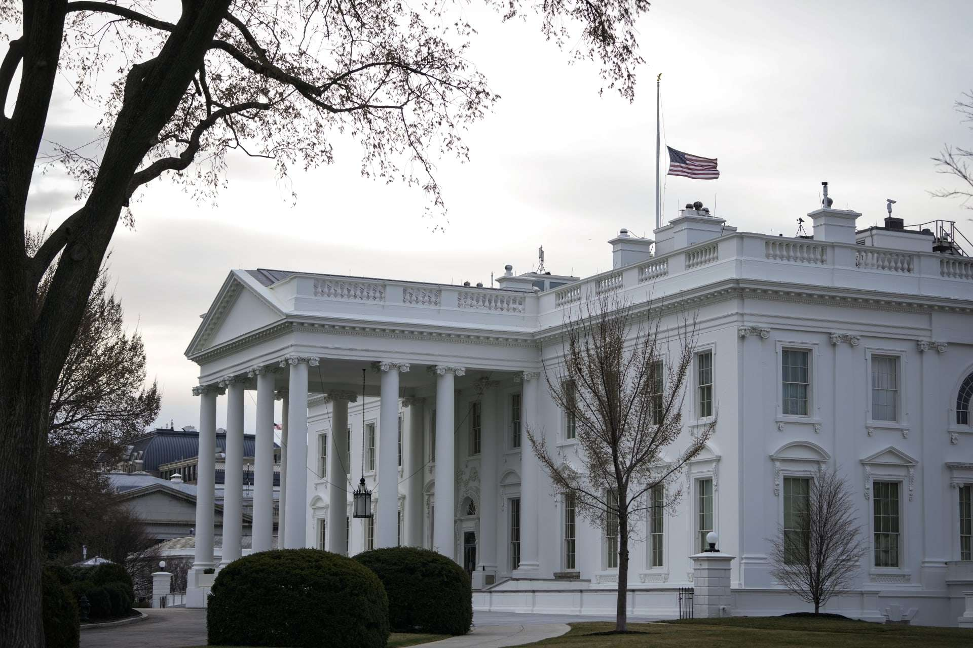 White House: 6,000 Americans evacuated from Kabul, Arabic newspaper -Profile News