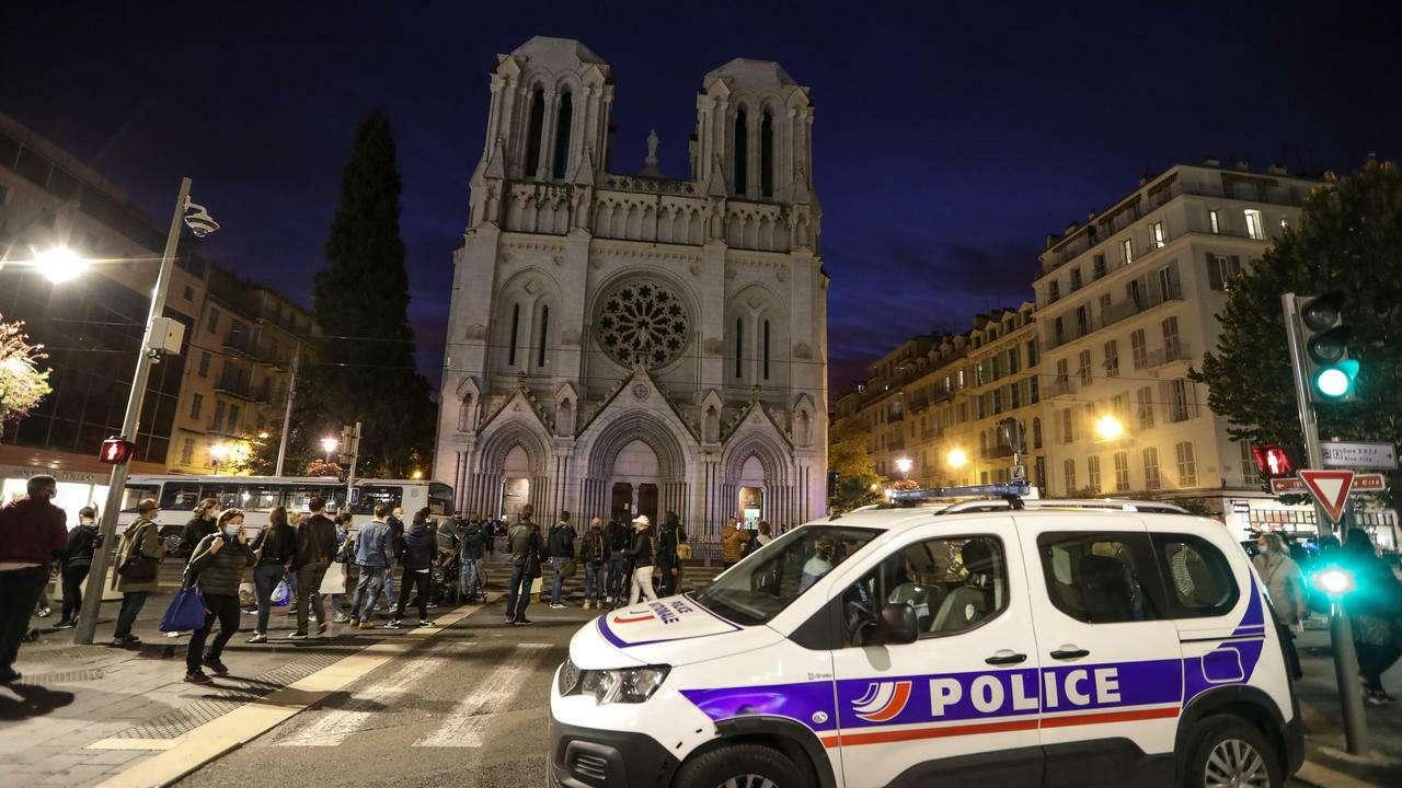 سكين داخل كنيسة.. والشرطة تتصرف, صحيفة عربية -بروفايل نيوز