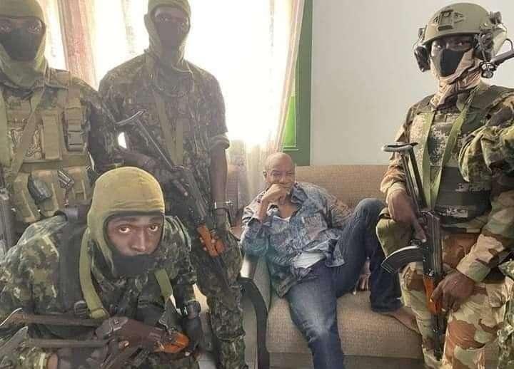 انقلاب عسكري في غينيا وأنباء عن اعتقال الرئيس, صحيفة عربية -بروفايل نيوز