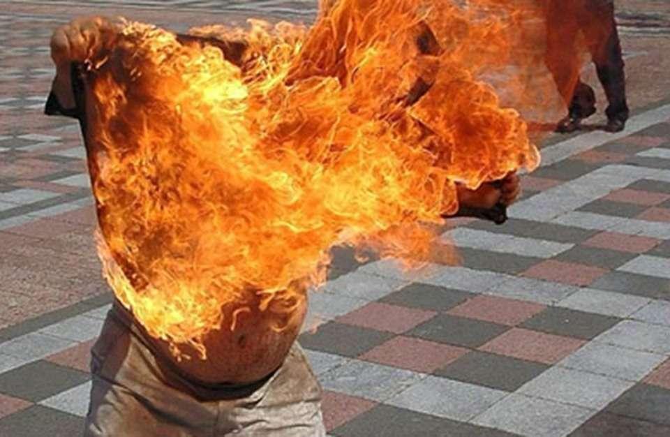 وفاة تونسي أضرم النار في نفسه!, صحيفة عربية -بروفايل نيوز