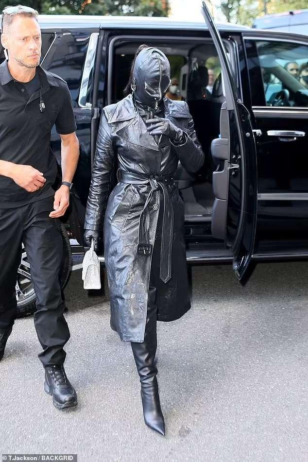 "A strange appearance by ""Kim Kardashian"" (photo), Arabic newspaper -Profile News"
