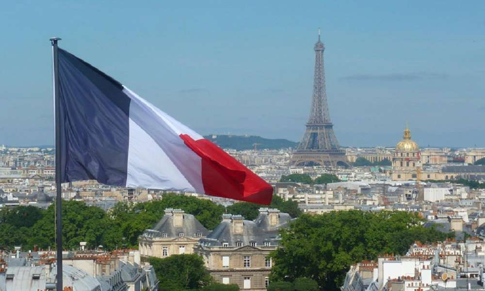 """France announces a """"serious crisis"""" with its allies, Arabic newspaper -Profile News"""