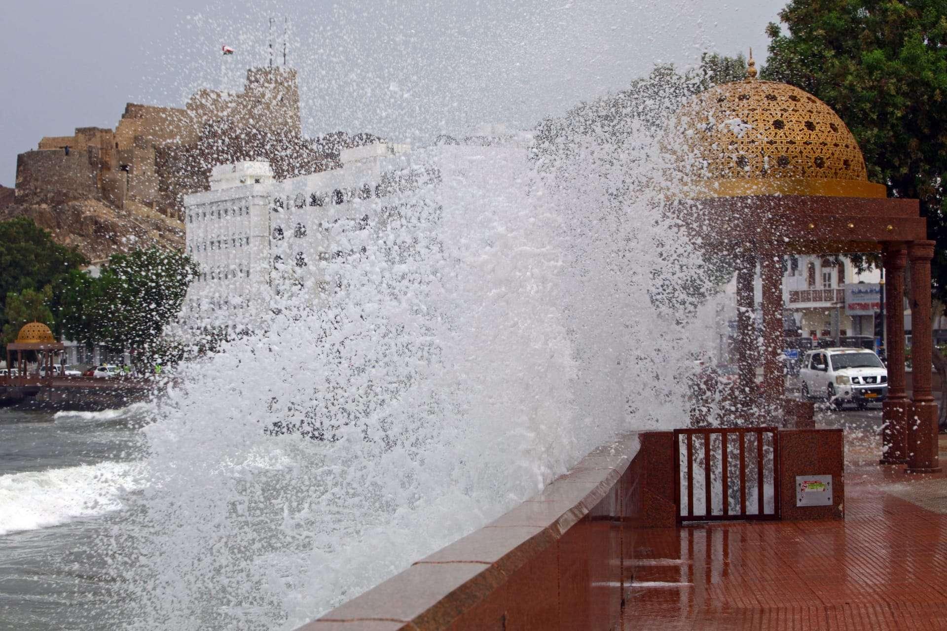 """حالاة وفياة ومفقودين في سلطنة عمان جراء العاصفة المدارية """"شاهين"""", صحيفة عربية -بروفايل نيوز"""